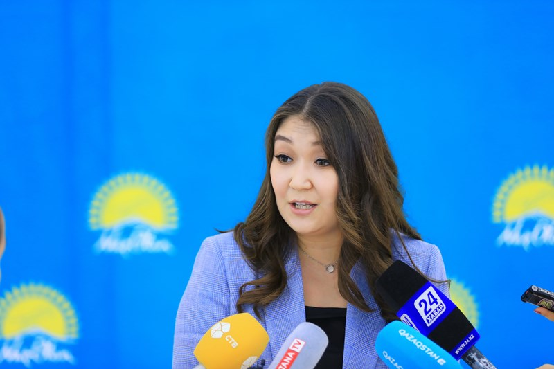 В столице прошло заседание совета по защите прав детей при партии «Nur Otan»