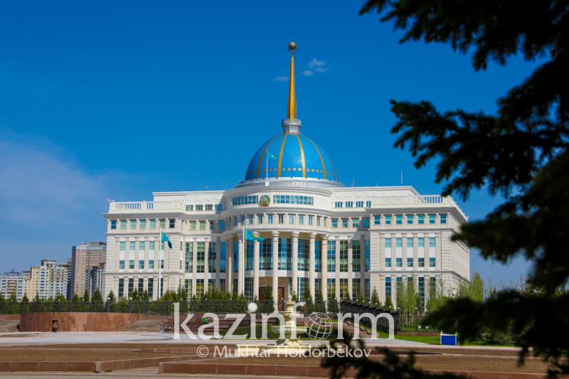 托卡耶夫总统会见伊斯兰开发银行行长