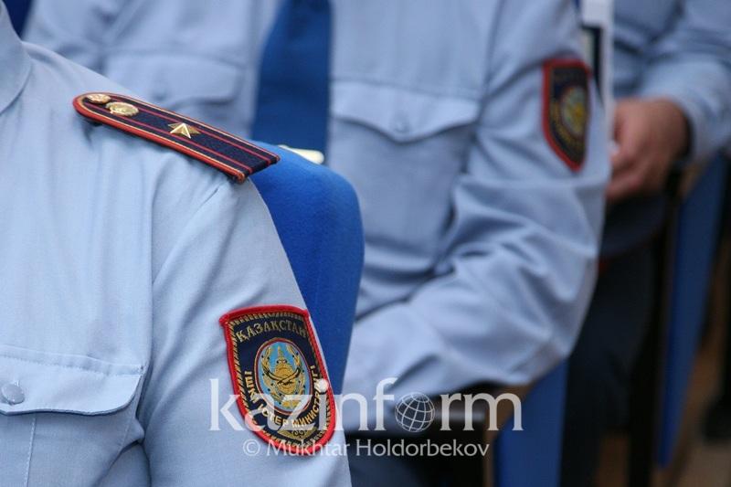 СҚО полицейлері Арыста зардап шеккендерге 7 млн теңге аударады