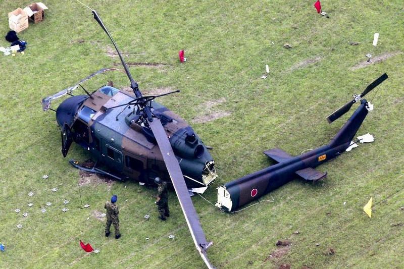 Defense force chopper makes crash landing in Tokyo, crew unharmed