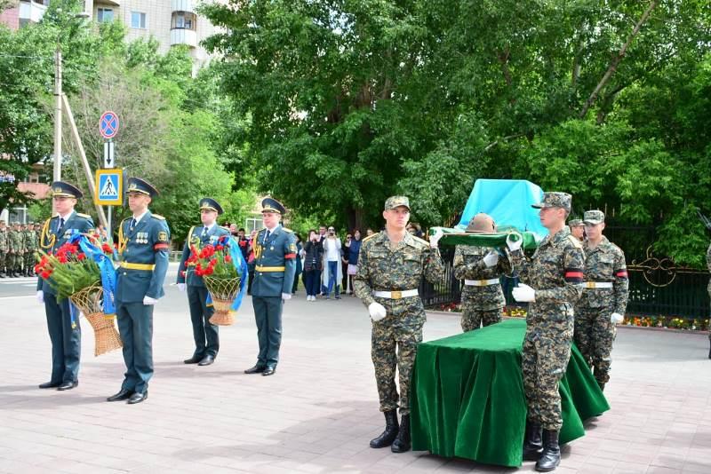 В Кокшетау воздали воинские почести ветерану ВОВ