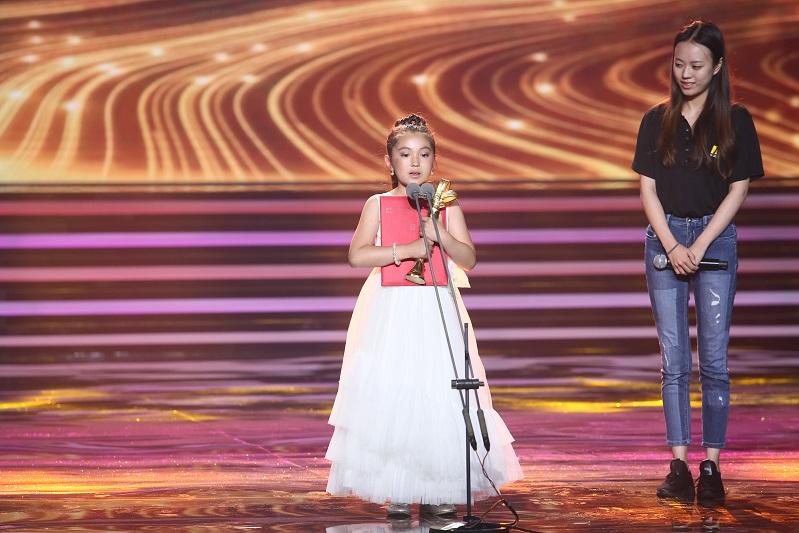 8yo Kazakh actress awarded Shanghai Film Festival prize
