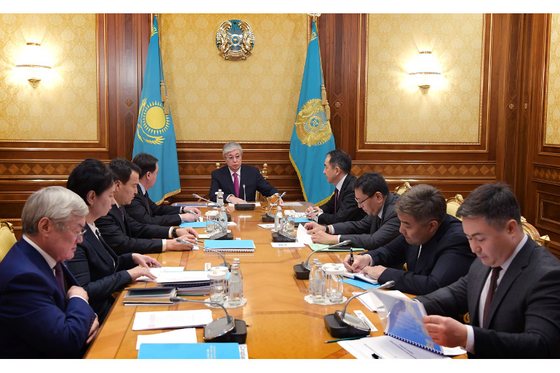 托卡耶夫总统主持召开会议讨论人民社会保障问题