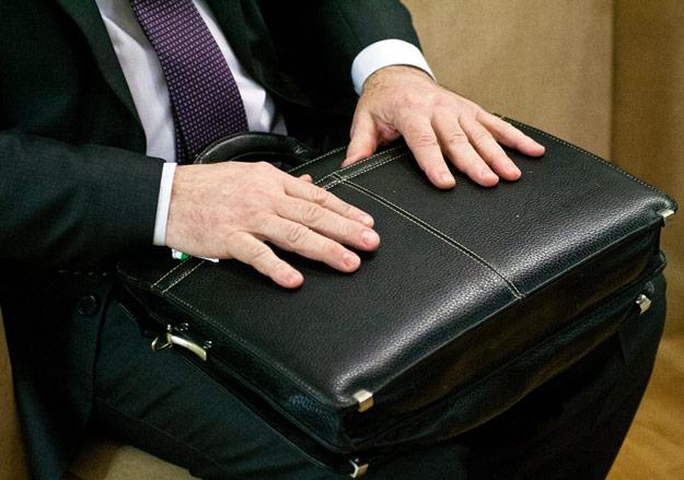 После коррупционного скандала уволился глава управления финансов СКО