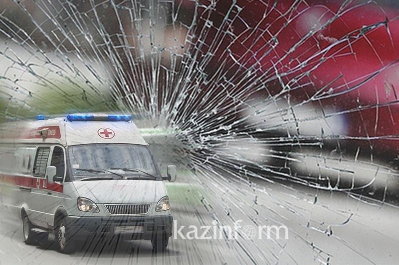 Ақтөбеде автобус пен КамАЗ соқтығысып, бір адам қаза тапты