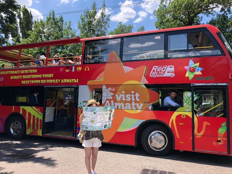 Алматыда қосқабатты туристік автобус жолға шығады