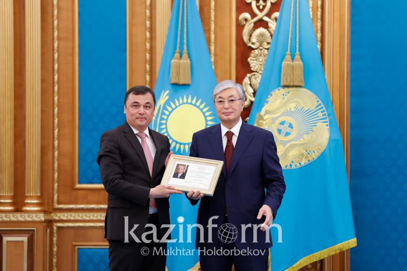حالىقارالىق «قازاقپارات» اگەنتتىگى قازاقستان پرەزيدەنتىنىڭ العىس حاتىن الدى
