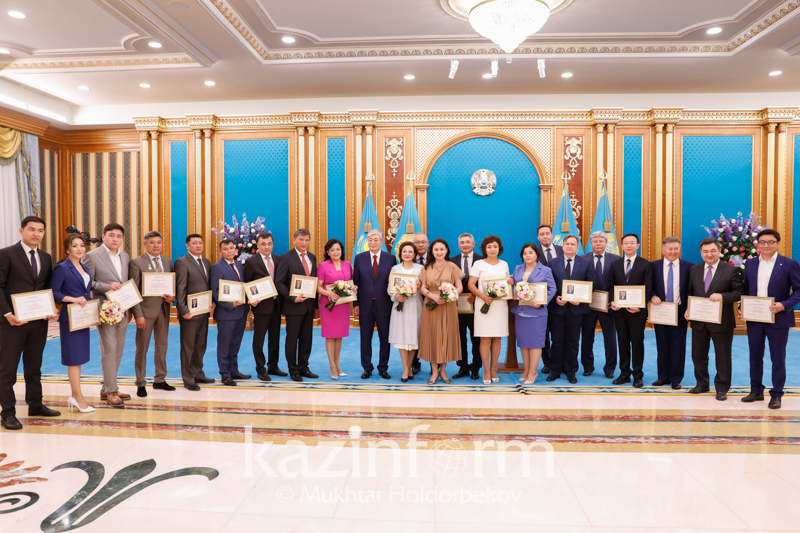 Присуждены премии и вручены гранты Президента в области СМИ