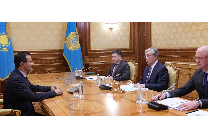 托卡耶夫总统会见迪拜环球港务集团CEO