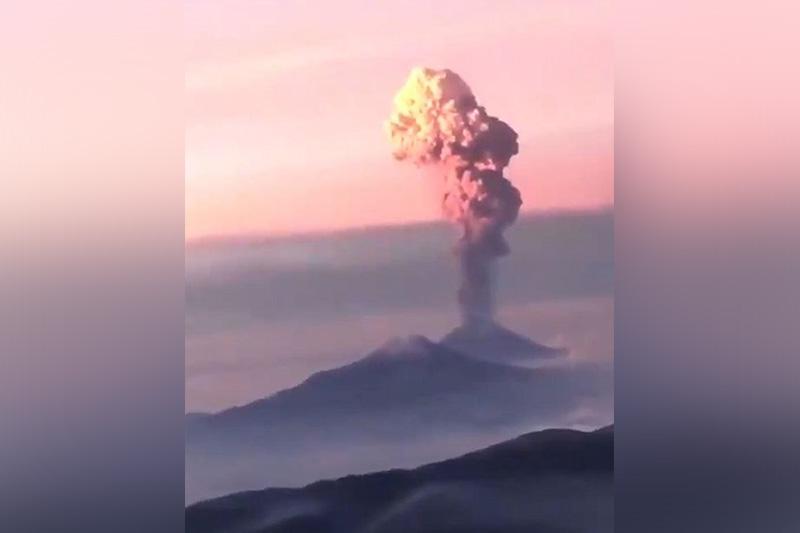 巴布亚新几内亚一座火山爆发 约5000人被迫撤离