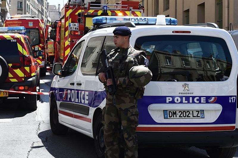 法国一清真寺外发生枪击案致2人受伤 枪手已自杀