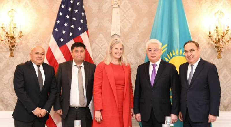 哈萨克斯坦和美国进一步加强经济伙伴关系