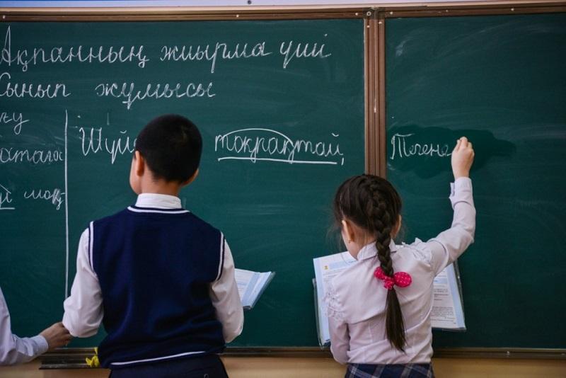 Президент Қостанайдағы қазақ тілінде білім беретін мектептің жағдайына алаңдаушылық білдірді