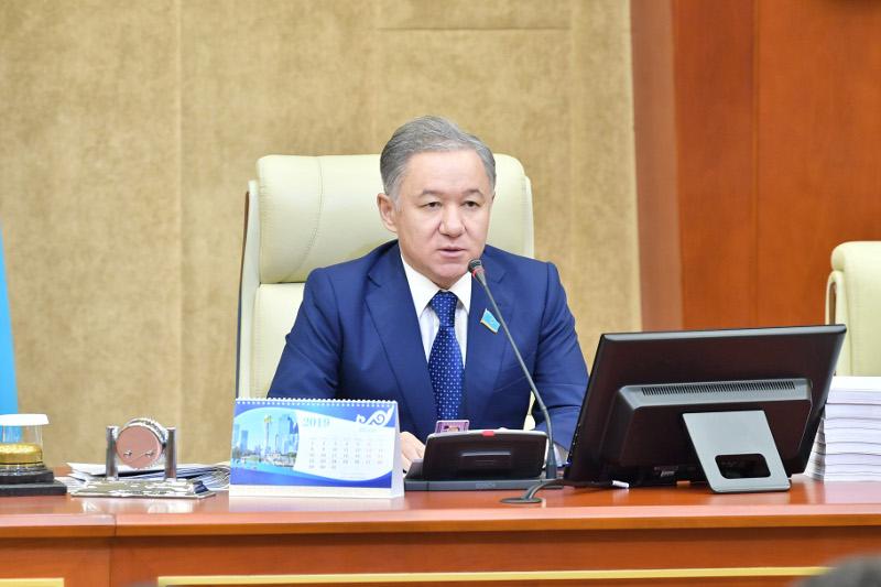 马吉利斯议长总结第四会期工作成果