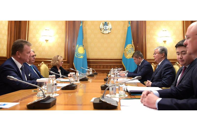 托卡耶夫同波兰制药公司监事会主席斯塔拉克举行会谈