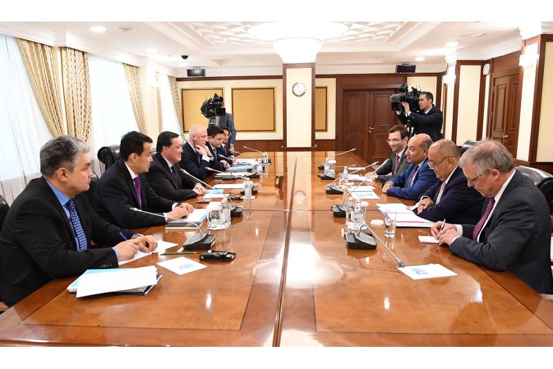 政府总理马明会见欧开行行长查克拉巴蒂