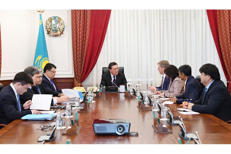 政府总理马明会见雪佛龙公司代表