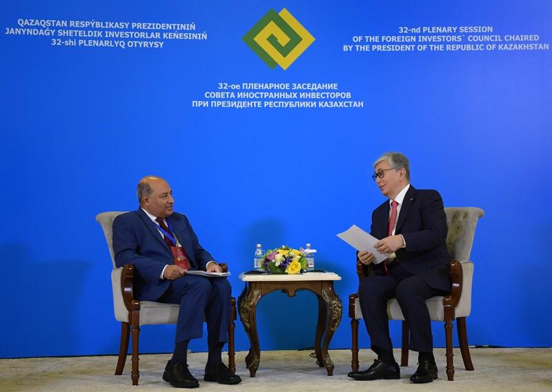 托卡耶夫总统会见欧开行查克拉巴蒂