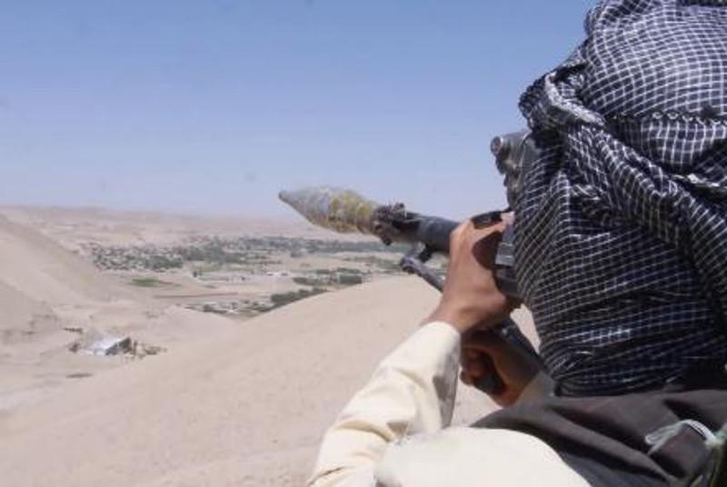 阿富汗北部法里亚布省一市场遭遇迫击炮弹袭击