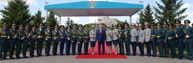 托卡耶夫总统祝哈萨克斯坦人民和平繁荣