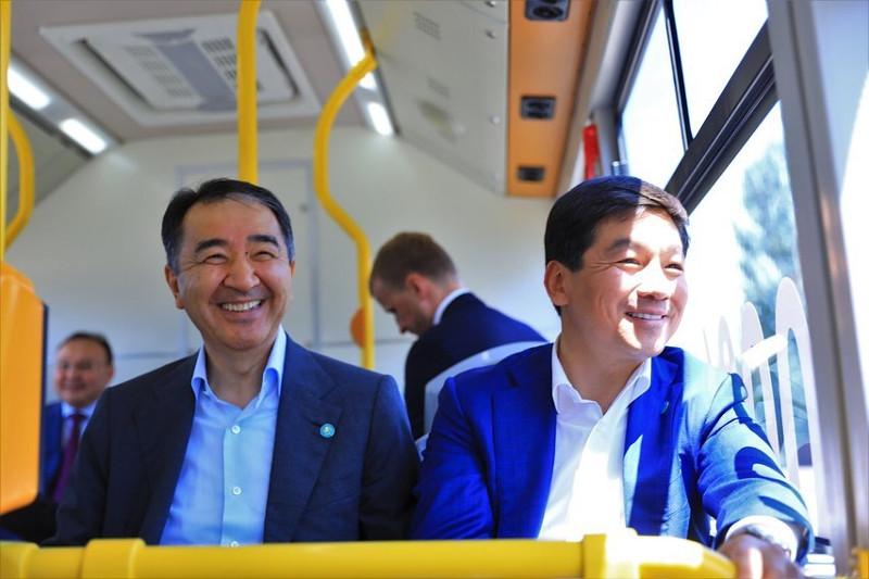 Байбек пен Сағынтаев «Made in Almaty» электробусының алғашқы жолаушылары болды