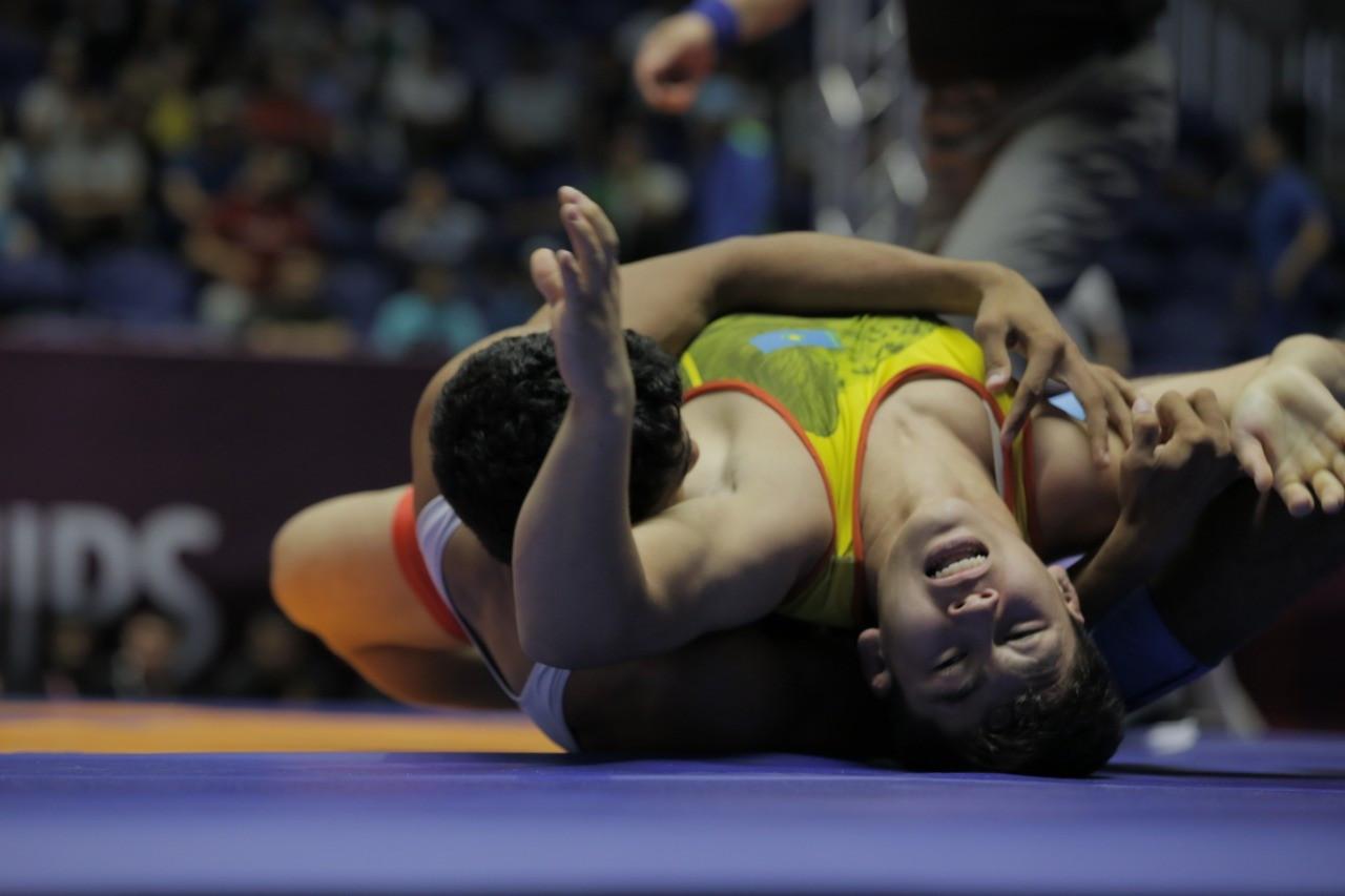 摔跤亚锦赛:哈萨克斯坦代表团获得3枚奖牌