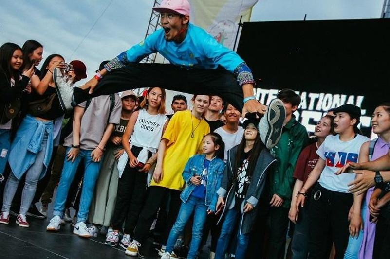 Международный фестиваль уличных танцев проходит в Нур-Султане