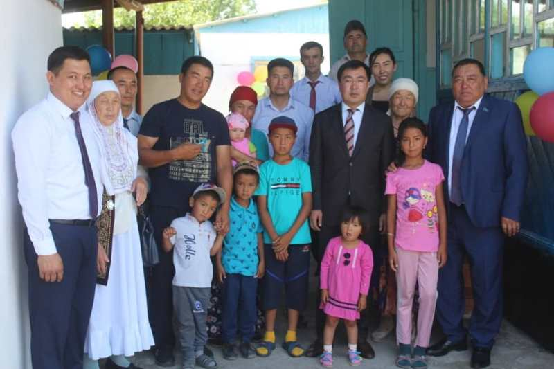 Алматы облысындағы Көксу ауданында 13 көпбалалы отбасы баспаналы болды