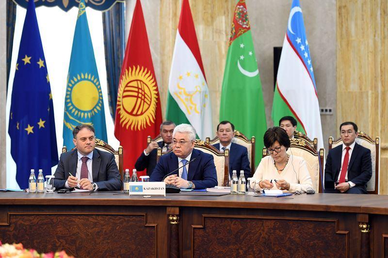 欧盟-中亚第15次部长级会议在比什凯克举行