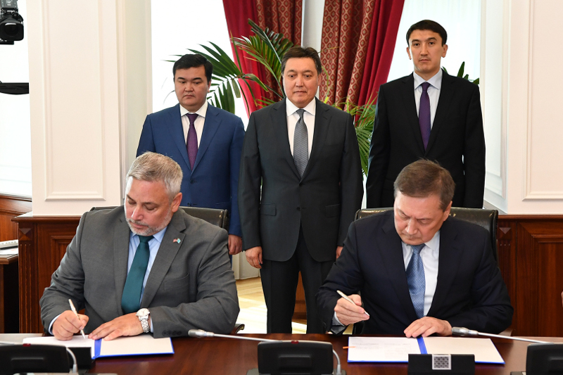 Kazakh Government, Valmont Industries, Inc. sign agr't