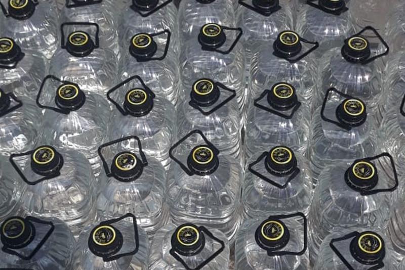 Шекарадан 800 литр алкоголь өнімдерін заңсыз өткізбек болғандар ұсталды