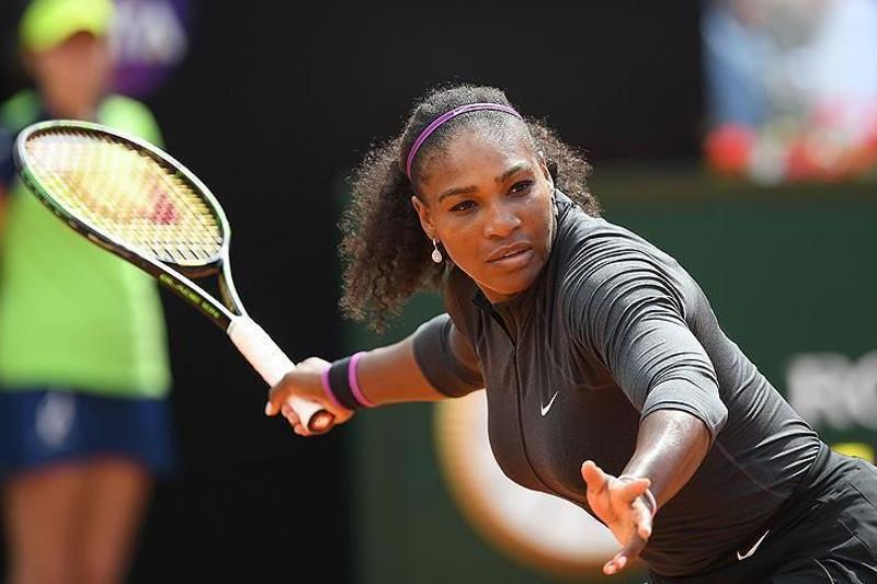Serena Williams into Wimbledon semis in women's singles