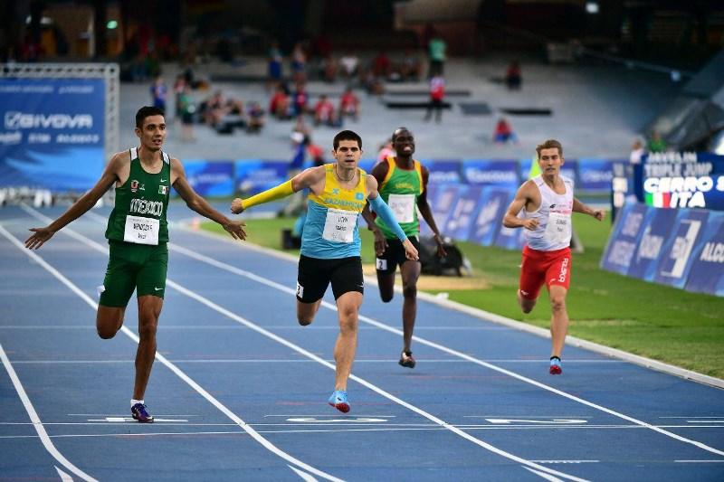 Универсиада-2019: казахстанец Михаил Литвин завоевал «серебро» в беге на 400 метров
