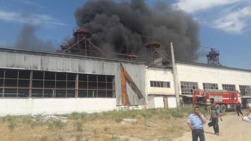 Пожар в депо тушат в Туркестанской области