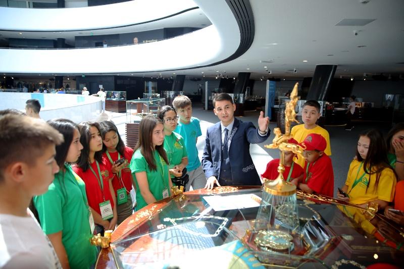 Библиотеку Елбасы посетили дети из казахских диаспор за рубежом