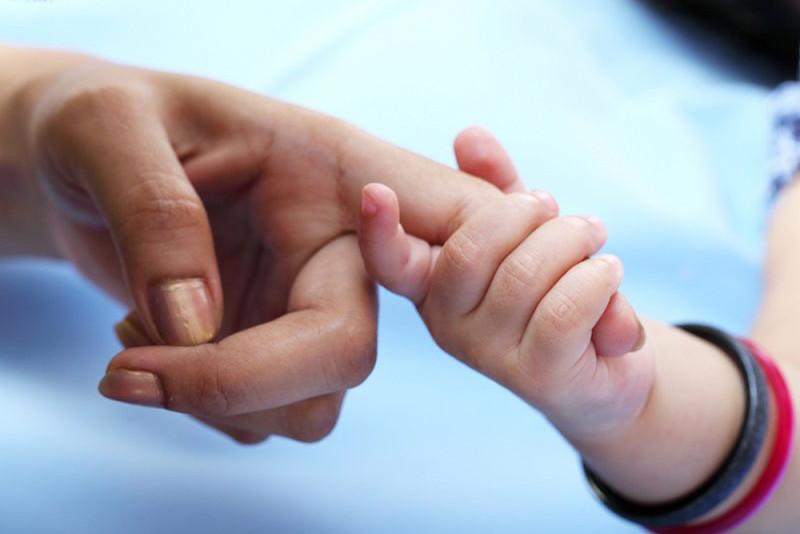 Сотрудник УИС спас женщину с ребенком из рук преступника в Жезказгане