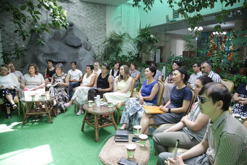 Глава МОН поднял ряд вопросов в сфере образования и науки в Алматы