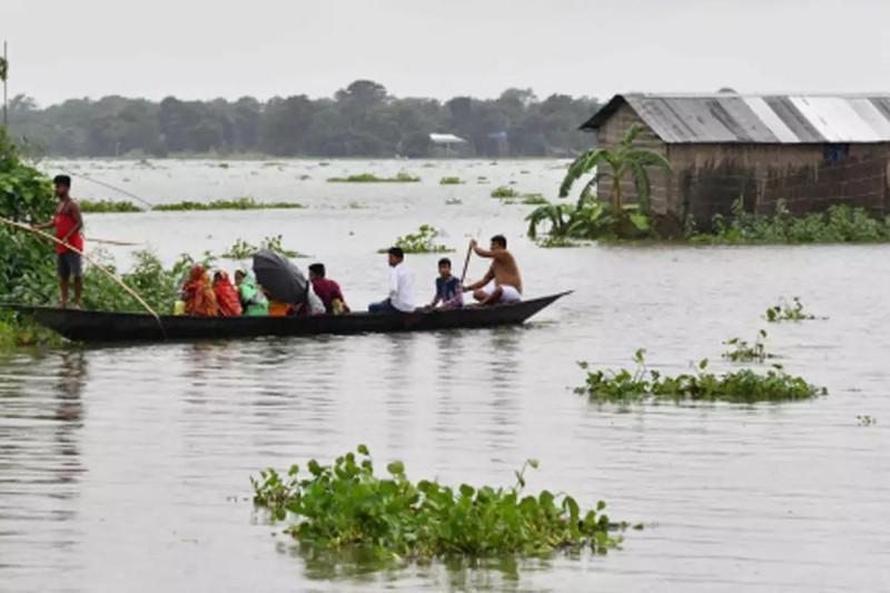 Более 420 тысяч человек оказались в зоне наводнения в Индии
