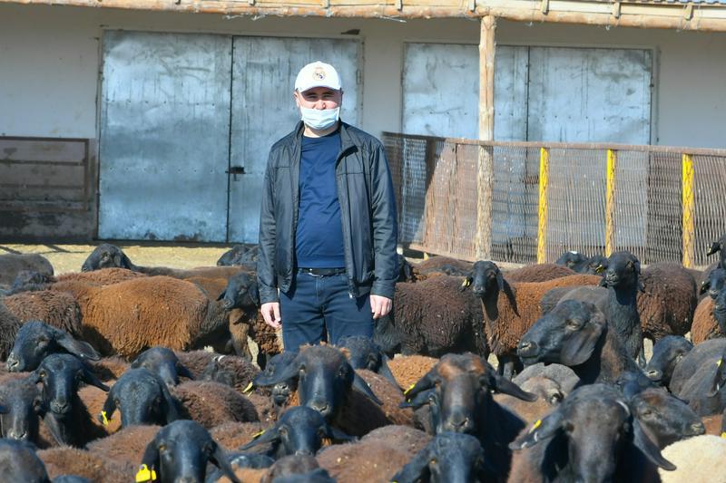 Аким Туркестанской области встретился с молодыми предпринимателями6