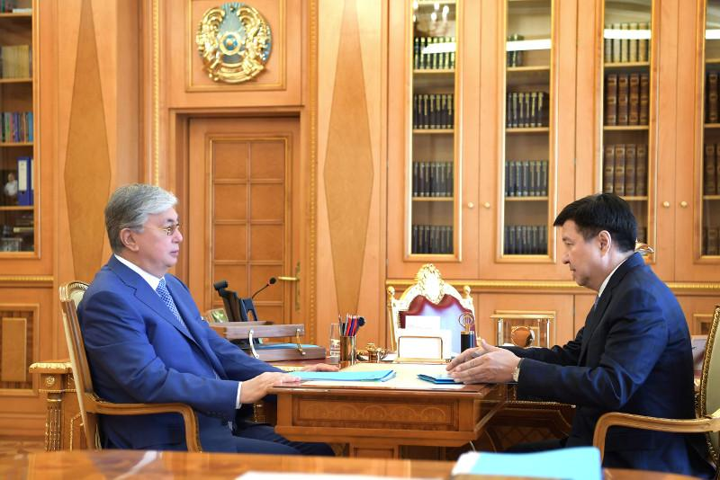 托卡耶夫总统接待最高法院院长