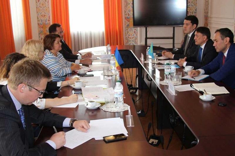 哈乌外交部磋商会议在基辅举行