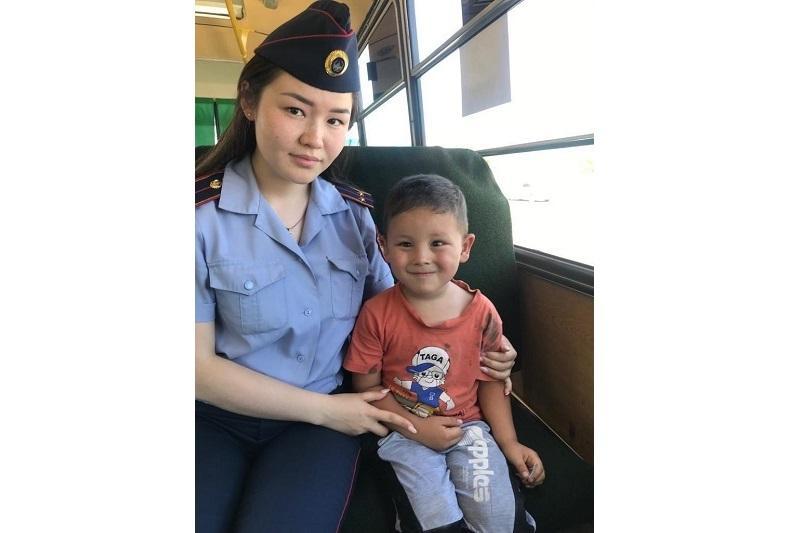 Пятилетний ребенок уехал на автобусе и потерялся в Кокшетау