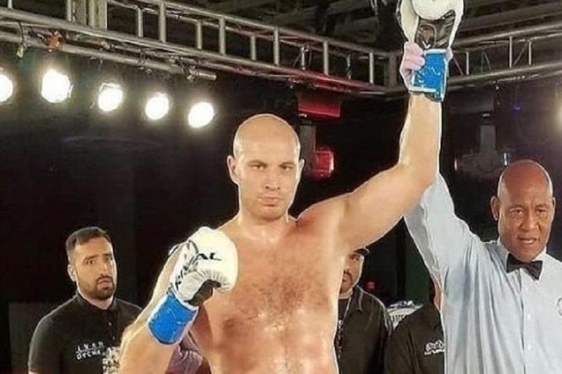 Иван Дычко нокаутировал американца во втором раунде