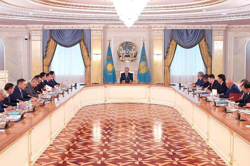 托卡耶夫总统接见直辖市市长