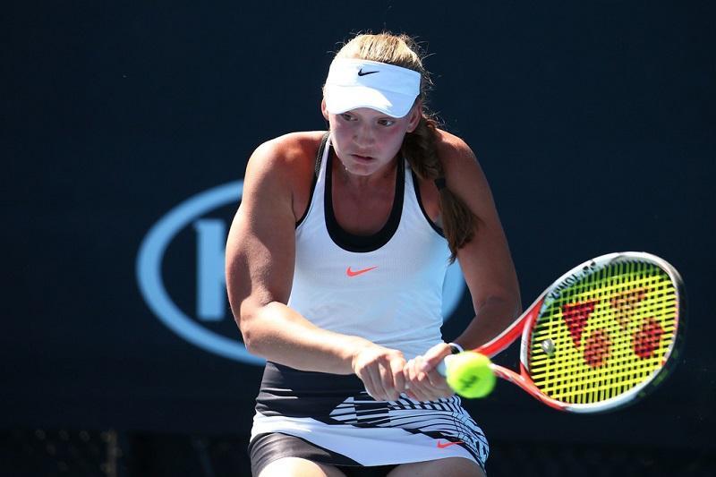 网球:雷巴金娜晋级布加勒斯特公开赛第二轮