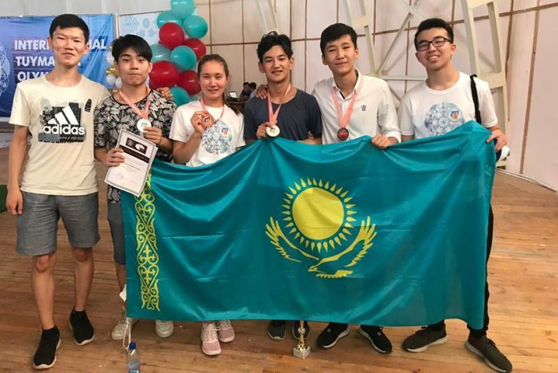 国际理科竞赛:哈萨克斯坦代表团收获5枚奖牌