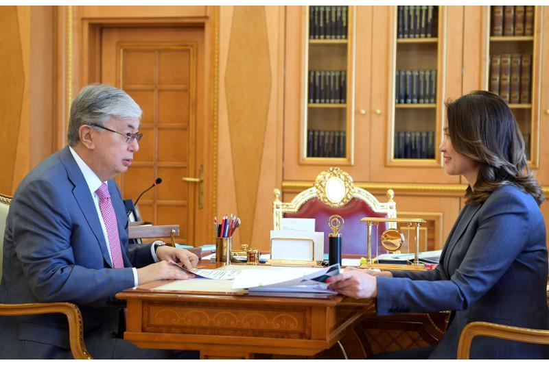 President emphasizes need to elaborate public administration development concept