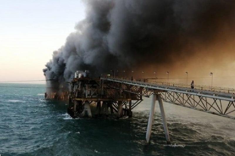 Желіде Ирактағы мұнай терминалының өртенген сәті түсірілген видео пайда болды