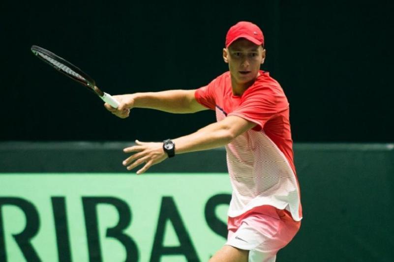 Теннис: Денис Евсеев Нұр-Сұлтан турнирінің екінші айналымына шықты