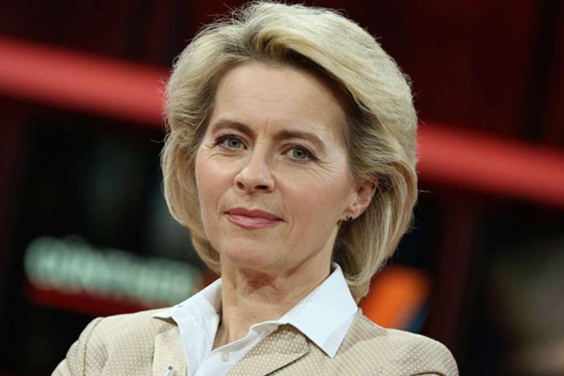 Впервые женщина возглавила Еврокомиссию